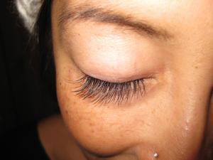 Eyelash Extension Repair - Re Application!