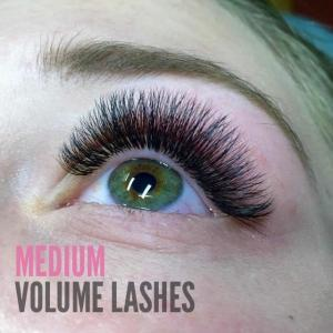 Eyelaash Extension Photos Medium Volume
