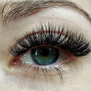 Transition to volume lashes