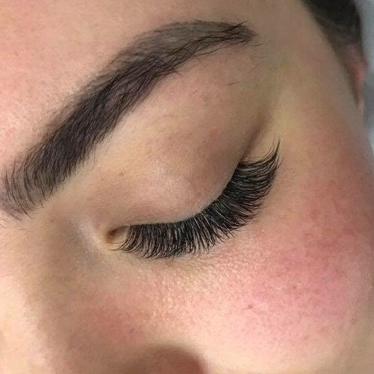 d4807fec874 How to make your eyelash extension experience as relaxing as ...