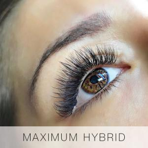 Maximum Hybrid set of Eyelash Extensions at Lady Lash